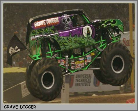 monster truck grave digger video grave digger monster truck www imgkid com the image