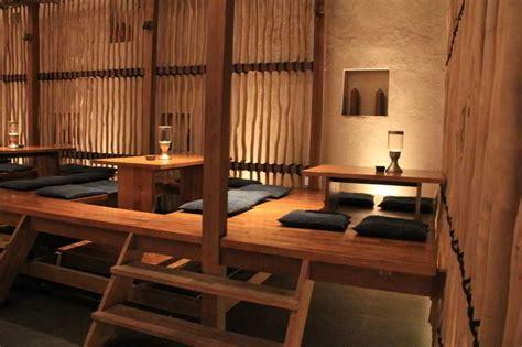 contoh desain cafe kayu lesehan minimalis desain cafe