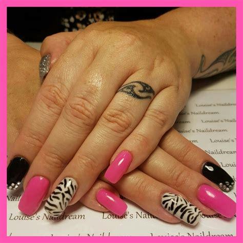 Glitter Acrylnagels by Acrylnagels Roze Zwart Glitters Zebra Louise S Naildream