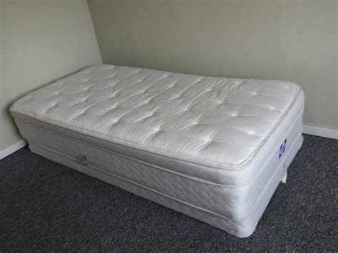 twin bed mattress and box spring twin box spring and mattress comox cbell river