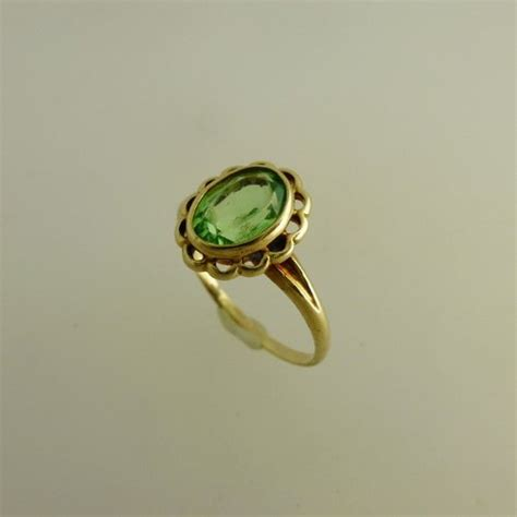 antiques atlas 9ct peridot ring