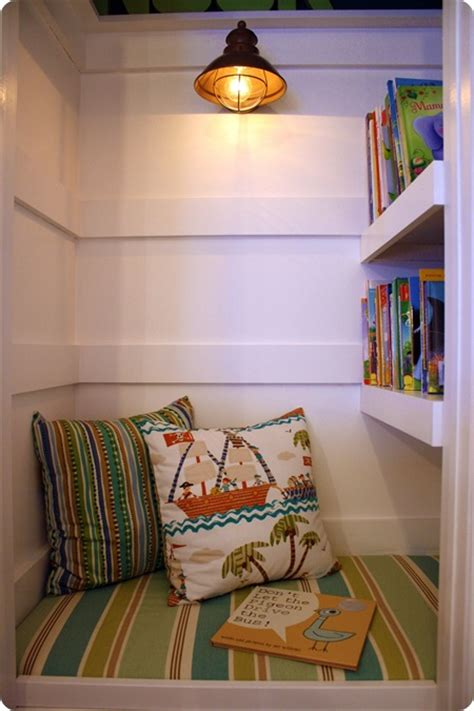 Closet Book Nook by How To Turn A Closet Into A Cozy Book Nook From Thrifty