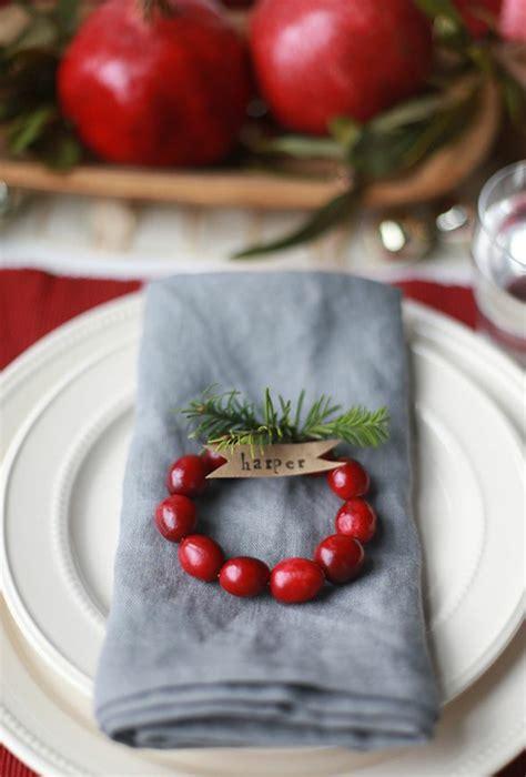 weihnachts tischdeko basteln so k 246 nnen sie originelle weihnachtliche tischkarten basteln