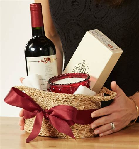 gifts for your host this holiday season basket ideas