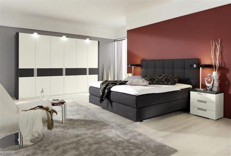 schlafzimmer komplett boxspringbett neu schlafzimmer mit boxspringbett sch 246 n home ideen