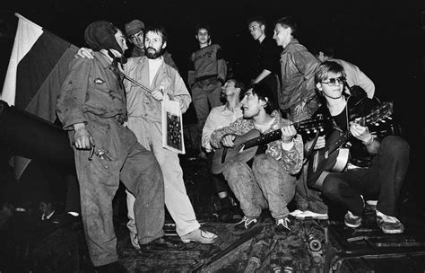 house music 1991 the fall of the soviet union in rare pictures 1991