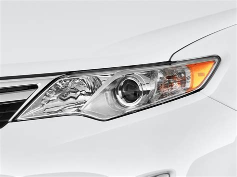 Headlights For Toyota Camry Image 2014 Toyota Camry Hybrid 4 Door Sedan Xle Natl