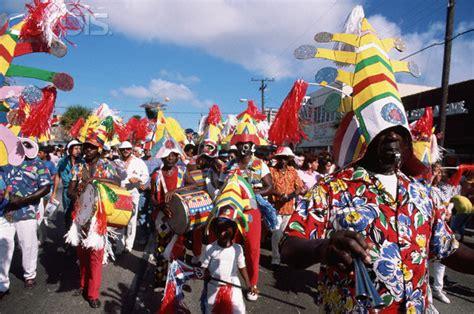 Congé Carnaval 2018 Carnaval And Calle Ocho Festival Ralphmagin S