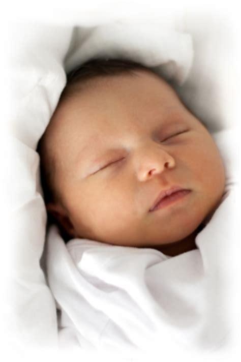imagenes lindas sobre la llegada de un bebe top saludos y felicitaciones por nacimiento de un beb 233