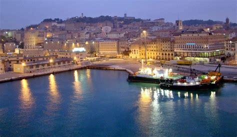 d italia ancona guide touristique de anc 244 ne toutes les curiosit 233 s de