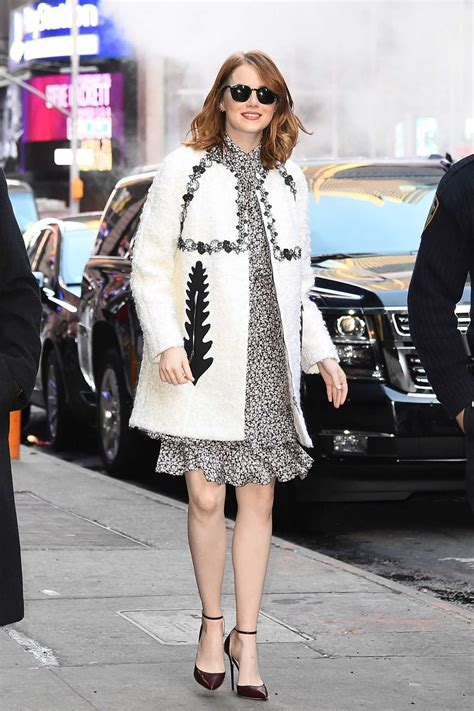 how old is actress emma stone emma stone arrives at good morning america in new york 11