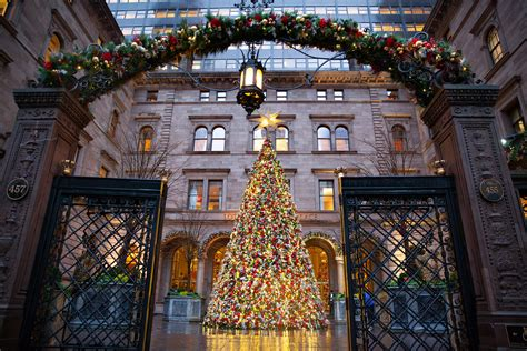 biggest christmas house nyc manhattan top 10 most festive spots in nyc