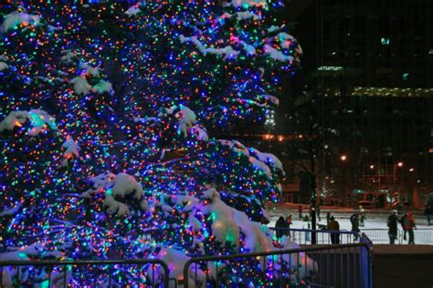 take the ultimate 2016 holiday lights road trip in michigan