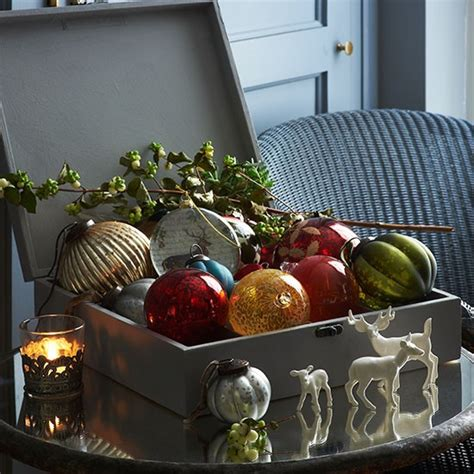 box of baubles country christmas decorating ideas