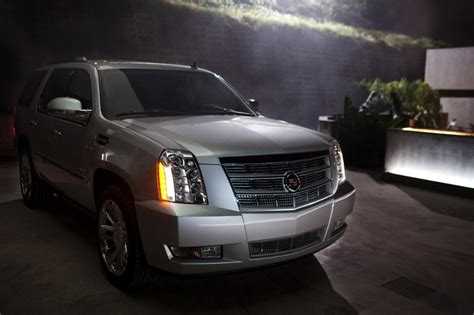 cadillac the car connection 2014 cadillac escalade review ratings specs prices and photos the car connection