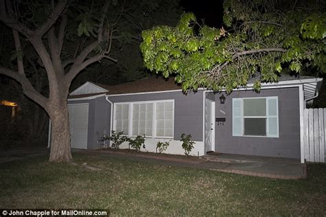 temporary house rental police descend on california home of 7th heaven s stephen collins after gunshot report