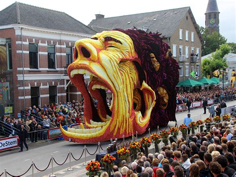 The Annual Corso Zundert Parade Honors Van Gogh With Parade Float