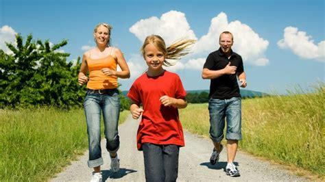 wann fangen kinder an zu laufen wann ist zu fr 252 h zu fr 252 h sollten kinder schon marathon