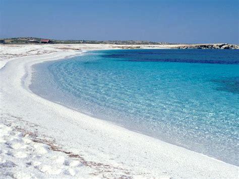 sulla spiaggia sardegna la sardegna e le sue spiagge tendenzialmente