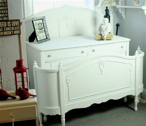White Chalk Paint Bedroom Furniture by White Bedroom Set Makeover With Sloan Paint