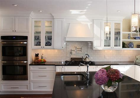 White Shaker Style Kitchen Cabinets by Find Out White Shaker Kitchen Cabinets