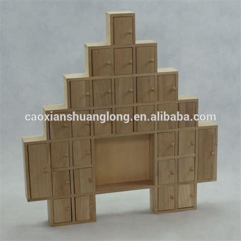 2014 New Design Custom Christmas Tree Shaped Wood Advent