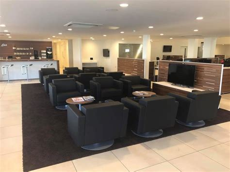 experience  future  car buying today  lloyd carlisles  bmw centre