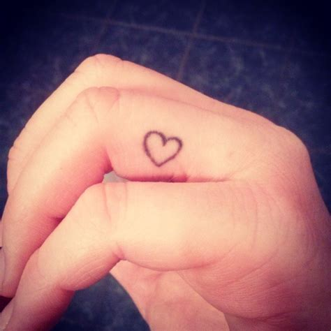 nice tattoo on finger finger tattoos askideas com