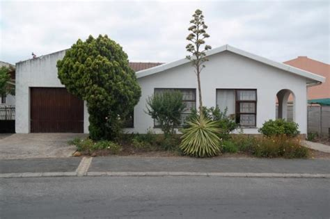 houses to buy in paarl absa bank trust property house for sale for sale in paarl