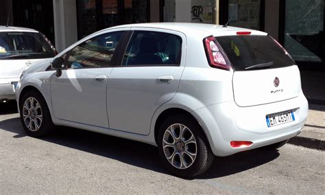 fiat punto 2012 file fiat punto 2012 5door rear jpg wikimedia commons