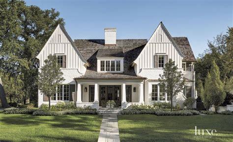 modern farmhouse design beautiful modern farmhouse exterior design 40 homedecort
