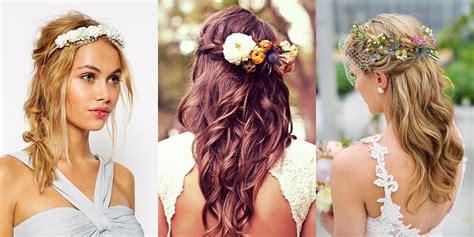cappelli con fiori fiori tra i capelli accessori al top per una primavera