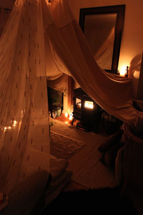 living room fort ideas 21 cozy sanctuaries to shelter you from adulthood forts evening and