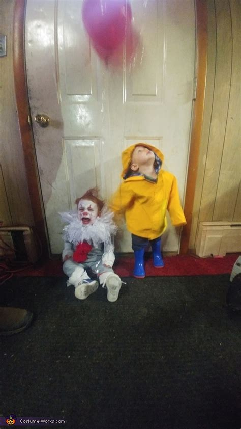 pennywise  georgie twins halloween costume photo