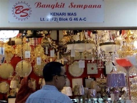Lu Hias Di Kenari Penjualan Lu Hias Meningkat Jelang Natal Dan Tahun Baru
