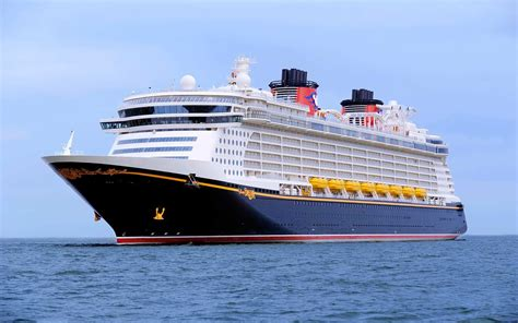 dream weekend boat cruise five things to know about disney cruise line s dream