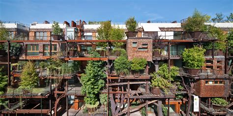 luciano pia plants 25 verde, a green urban treehouse in torino
