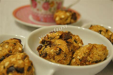 kuru meyveli kurabiye tarifi kuru meyveli kurabiye tarifi kuru meyveli yulaflı kurabiye tarifi