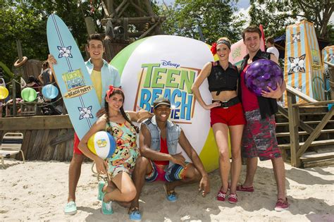 film disney beach phineas and ferb mission marvel builds waffle inator