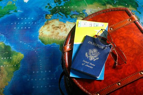 how to travel the world on 10 a day books 4 best credit cards for travel rewards quizzle