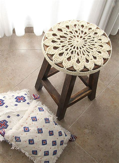 Newborn Stool Patterns by 25 Best Ideas About Stool Cover Crochet On