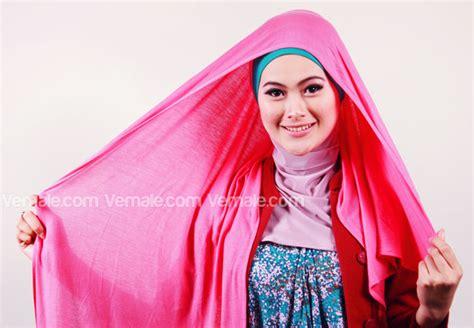 tutorial jilbab pashmina bahan licin hijab tutorial cara memakai jilbab pashmina pic video