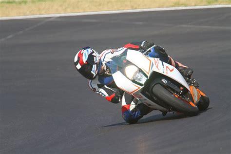 Motorradvermietung Rennstrecke by Rennstrecke Ideallinie Motorrad Sport