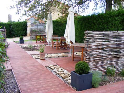 nice Idee D Amenagement De Jardin #2: terrasse-restaurant-la-petite-école-lesbojardins.jpg