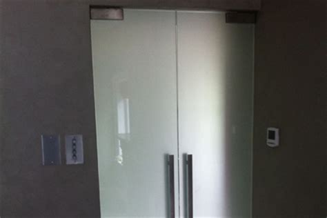Bathroom Doors With Frosted Glass Uk D2 Portfolio