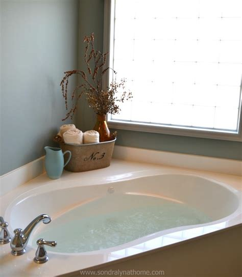 How To Clean A Whirlpool Bathtub by How To Clean A Whirlpool Tub Or Tub Lyn At Home