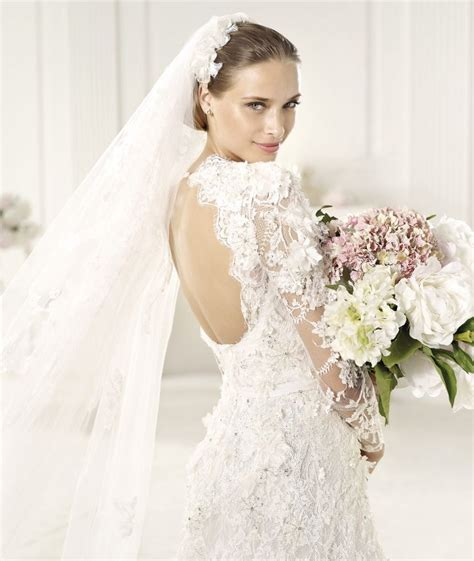 best of 2013 best of backless wedding gowns 25 dresses to adore