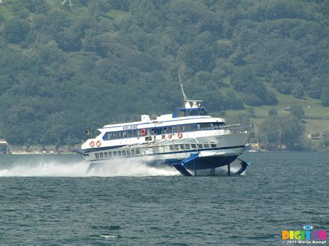 fast lake boats picture sx18947 hydrofoil fast boat on lake como