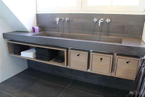 lavabo wc met kastje wastafel beton met meubel in eiken hout en rvs obly