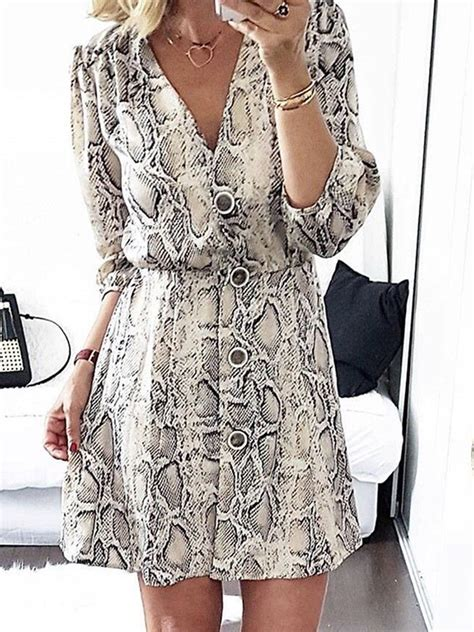 white snake floral print buttons  neck  sleeve fashion